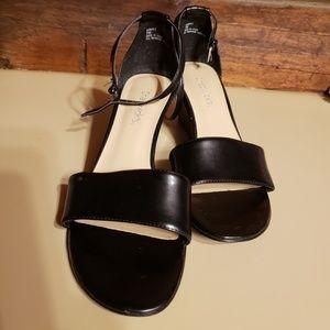 """Chadwick's"" black sandals sz 7W"